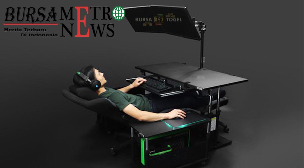 Canggih Meja Ini Bikin Gamers Lebih Nyaman Main Game