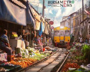 Pasar Maeklong, Thailand