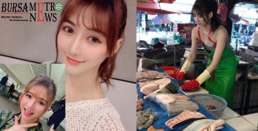 Viral, Demi Membantu Ibunya Cewek Cantik ini Mau Jualan Ikan di Pasar. Bapak-bapak Berebut Beli Ikan…