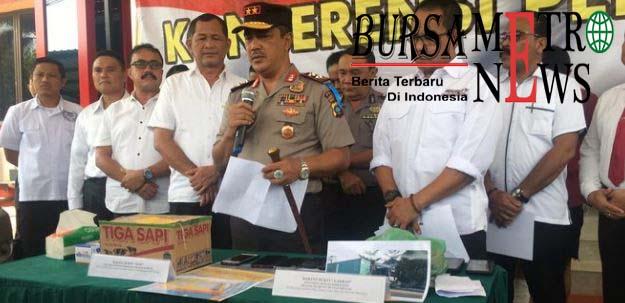 Pura-pura Diserempet Lalu Jarah Kontainer, Menyamar Jadi Polisi