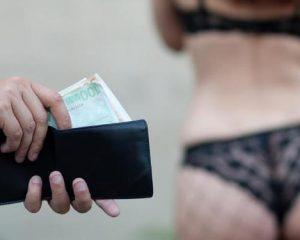 Berbagai Risiko Akibat Berhubungan Seks dengan PSK